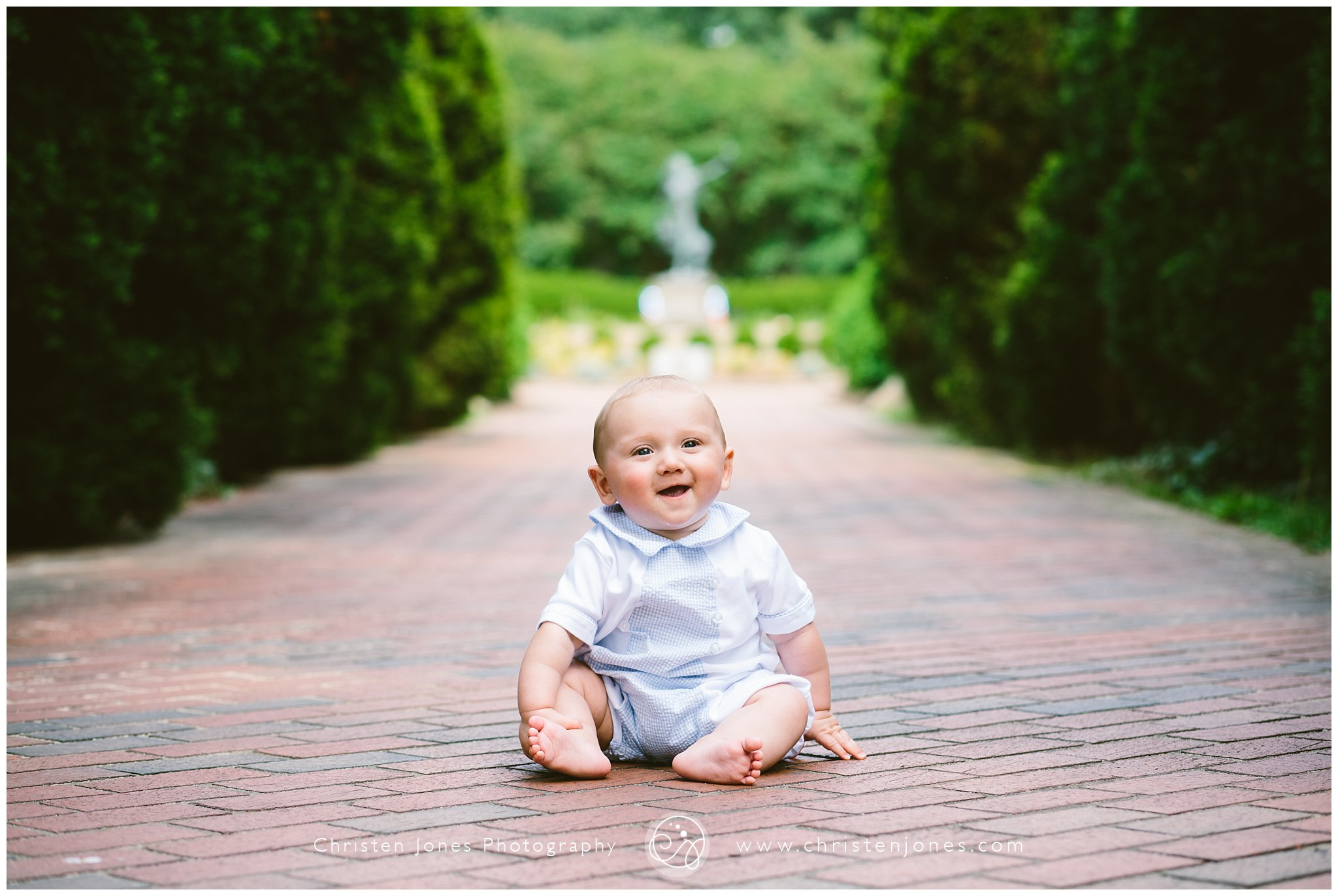 boy,child,cupcake,first birthday,girl,memphis,memphis child photographer,toddler,